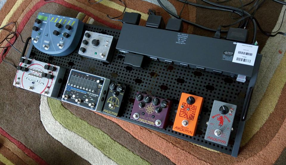 Click image for larger version.  Name:pedalboard-sm.jpg Views:207 Size:107.3 KB ID:69662