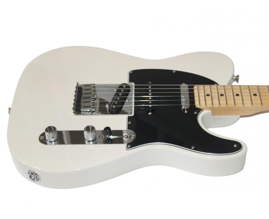 Click image for larger version.  Name:tele 3 x Fender-Deluxe-Nashville-Telecaster-in-Blonde-Noiseless-Pickups-Image-3_1400x.jpg Views:72 Size:34.7 KB ID:98328