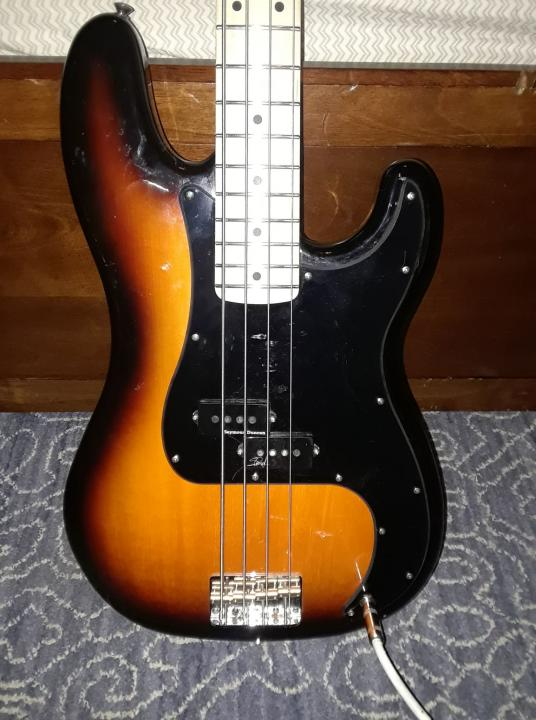 Name:  Warmoth P Bass.jpg